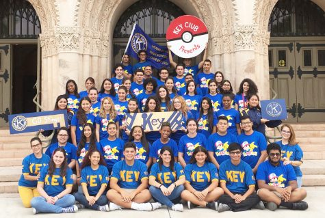 Key Advisor Ms. Zamora, and members of Key posing for the yearbook photo.