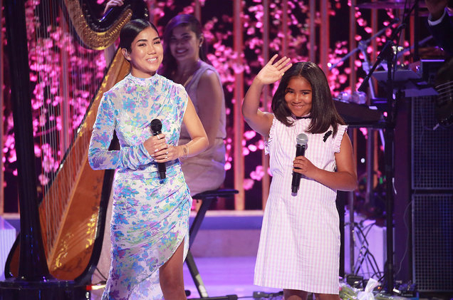 Jhene+Aiko+performs+%22Sing+to+Me%22+with+her+daughter+Namiko.